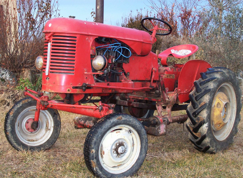 Pony 820 de 1957 - Tracteur rigolo ...